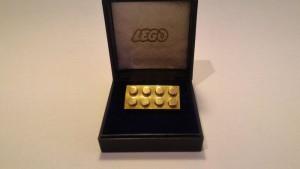 7. Lego D'oro