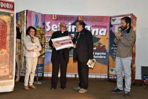 Il teologo mons. Ignazio Schinella riceve il Premio Cassiodoro nell'edizione del 2016